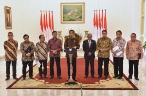 Presiden Jokowi saat menyampaikan pernyataan pers di Istana Kepresidenan Bogor, Jawa Barat, Rabu (7/12). (Foto: Humas/Rahmat).