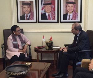 Indonesian Minister of Foreign Affairs Retno Marsudi meets Jordanian Minister of Foreign Affairs Ayman Safadi, at the Ministry of Foreign Affairs of Jordan, Amman, on Monday (11/12) (Photo: Kemlu)