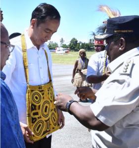 Presiden Jokowi dalam kunjungan kerja ke Nabire, Papua, Kamis (21/12) kemarin. (Foto: Setpres)