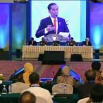 Presiden Jokowi saat menjadi Keynote Speech pada Sarasehan kedua 100 Ekonom Indonesia, di Puri Agung Convention Hall, Hotel Grand Sahid Jaya, Jakarta Pusat, Selasa (12/12). (Foto: Humas/Jay)