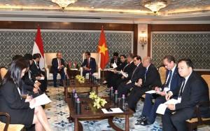 Presiden Jokowi dan PM Vietnam Nguy?n Xuân Phúc melakukan pertemuan bilateral, di Hotel Taj Diplomatic Enclave, New Delhi, India, Jumat (26/1) pagi waktu setempat. (Foto: Setpres)