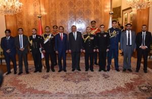 Presiden Jokowi berfoto bersama Presiden Mamnoon Hussain dan di Aiwan-e-Sadr, Istana Kepresidenan, Jumat (26/1). (Foto: Humas/ Rahmat)