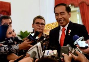 Presiden Jokowi menjawab pertanyaan wartawan di Istana Negara, Jakarta, Rabu (31/1) siang. (Foto: Humas/Rahmat).