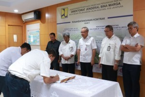 Signing of contracts of Trans-Papua Project (Photo: Ministry of PUPR)