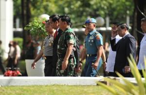 Presiden Jokowi saat menghadiri Rapim TNI-Polri di Aula Gedung Gatot Subroto Markas Besar TNI Cilangkap, Jakarta Timur, Selasa (23/1). (Foto: Humas/Jay)