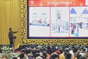 Presiden Jokowi memberikan paparan dalam pembukaan Kongres PMKRI, di Palembang, Sumsel, Senin (22/1)  siang. (Foto: Anggun/Humas)