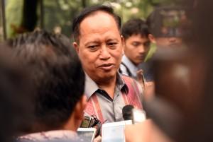 Menristekdikti menjawab pertanyaan wartawan usai Rapat Terbatas di Istana Merdeka, Jakarta, Kamis (18/1) sore. (Foto: Humas/Rahmat).