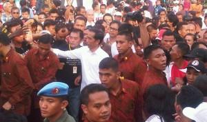 Presiden saat menghadiri acara di Auditorium Tilangga, Rote, Nusa Tenggara Timur, Senin (8/1) sore. (Foto: Humas/Rahmat)