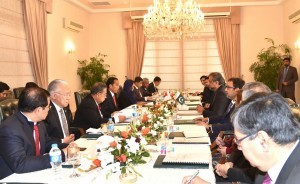 President Jokowi attends a bilateral meeting with Pakistani Prime Minister Shahid Khaqan Abbasi at the office of Pakistani Prime Minister, Saturday (27/1). (Photo by: Bureau of Press and Media)