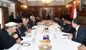 President Jokowi attends a meeting with the Afghan Delegation, in Kabul, Afghanistan, Monday (29/1).