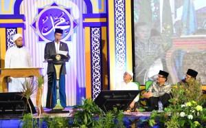 Presiden Jokowi saat menyampaikan sambutan pada acara Haul Majemuk Masyayikh di Pondok Pesantren (Ponpes) Salafiyah Syafi'iyah Sukorejo, Situbondo, Jawa Timur, Sabtu (3/1). (Foto: BPMI)