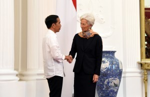President Jokowi welcomes IMF Managing Director Christine Lagarde's visit at the Presidential Palace, Jakarta, Monday (26/2) morning. (Photo by: Nia/Public Relations Division).