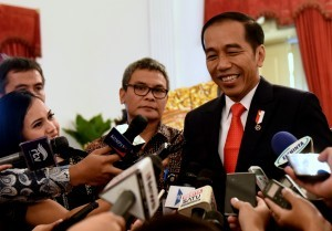 President Jokowi answers reporters' questions at the State Palace, Jakarta, Wednesday (31/1) afternoon. (Photo: Humas/Rahmat)
