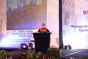 Seskab, Pramono Anung saat memberikan arahan pada raker Setkab yang digelar di Convention Center The Trans Luxury Hotel, Bandung, Jawa Barat, Sabtu (24/2). (Foto: Humas Setkab).