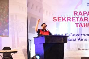 Seskab dalam acara Raker Setkab di Bandung, Sabtu (24/5). (Foto: Humas Setkab)