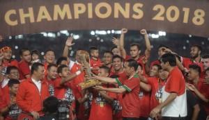 Kesebelasan Persija berhasil menjadi juara pertandingan final di Stadion Utama Gelora Bung Karno, Senayan, Jakarta, Sabtu (17/2).