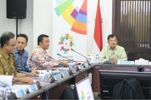 Wapres Jusuf Kalla memimpin Rakor  Persiapan Penyelenggaraan Asian Games XVII Tahun 2018, di Wisma Serba Guna, Senayan, Jakarta, Senin (19/2) pagi. (Foto: Humas Kemenpora)