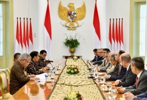 President Jokowi, on Monday (12/3) morning, receives courtesy call from AIIB delegation at the Bogor Presidential Palace, West Java (Photo: BPMI)