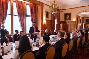 Presiden Jokowi saat menghadiri jamuan santap siang kenegaraan bersama Gubernur Jenderal Dame Patsy Reddy di Government House, Wellington, Selandia Baru, Senin (19/3). (Foto: BPMI)