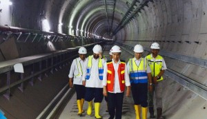 President Jokowi during an inspection in Senayan MRT Station, Jakarta, Wednesday (7/3) (Photo by: Transportation Ministry)