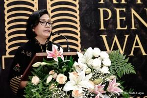 Menkeu Sri Mulyani menyampaikan sambutan pada acara Apresiasi & Penghargaan Wajib Pajak (WP) Besar Tahun 2018, di Aula Lantai 2 Gedung DJP, Jakarta, Selasa (13/3) pagi. (Foto: Humas Kemenkeu)
