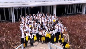Para CPNS Setkab peserta Presidential Lecture Tahun 2017, di Istora Senayan, Jakarta, Selasa (27/3). (foto: Humas/Agung)