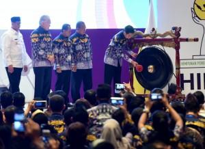 Presiden Jokowi membuka secara resmi acara Rapimnas HIPMI di Tangerang, Banten, Rabu (7/3). (Foto: Humas/Rahmat)
