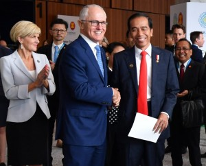 Presiden Jokowi dan PM Turnbull dalam Outstanding Youth for The World (OYTW) di Exhibition Hall, International Convention Centre, Sydney, Sabtu (17/3). (Foto: BPMI)