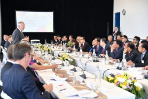 Presiden dalam pertemuan dengan para CEO Selandia Baru di The Majestic Centre, Wellington, Senin (19/3). (Foto: Humas)
