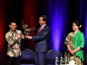 President Jokowi and First Lady Ibu Iriana meet with Indonesian Citizens at Amopura Gathering, Te Papa Museum, Monday (19/3). (Photo by: BPMI).