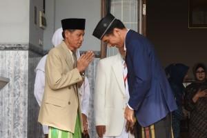 Presiden Jokowi saat saat melakukan kunjungan kerja ke Ponpes Mambaus Sholihin di Kecamatan Suci, Kabupaten Gresik, Jawa Timur, Kamis (8/3). (Foto: Humas/Oji).