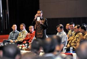 Presiden Jokowi menyampaikan jawaban terhadap pertanyaan peserta Rapat Kerja Pemerintah, di Hall B3, JIExpo Kemayoran, Jakarta, Rabu (28/3) siang. (Foto: Agung/Humas)