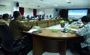 Suasana Bimtek terkait pelaporan pengawasan terhadap arahan presiden di Ruang Rapat Lantai 4 Gedung III Kemensetneg, Rabu (21/3). (Foto: Humas/Rahmat).
