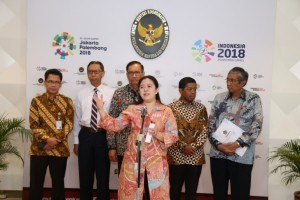 Minister Puan Maharani states in a press conference after leading Ministerial Coordination Meeting at the Ministry of Human Development and Culture's Office, Jakarta, Wednesday (18/4) (Photo: PR/Rahmat).