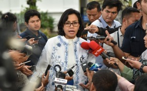 Minister of Finance Sri Mulyani Indrawati delivers his statement after Plenary Cabinet Session at the State Palace, Jakarta, Monday (9/4). (Photo by: Public Relations/Rahmat)