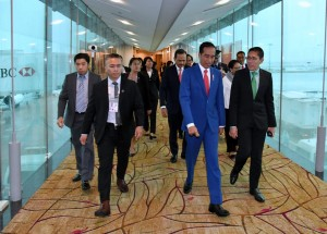 Presiden tiba di Bandara Internasional Changi, Singapura, Jumat (27/4). (Foto: BPMI)