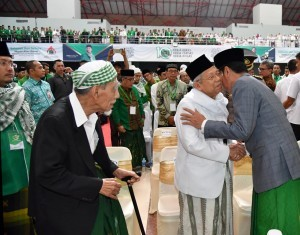 President Jokowi attends an event organized by United Development Party (PPP) at University Training Centre (UTC) Audience Hall, Semarang City, Saturday (14/4). (Photo: BPMI)