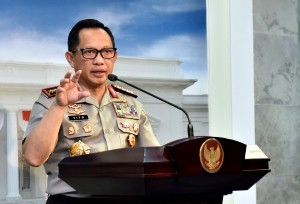 Chief of the Indonesian National Police delivers press statement after a Limited Meeting at the Presidential Office, Tuesday (22/5) (Photo: Rahmat/Jay)