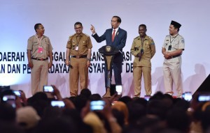 President Jokowi conducts a dialogue with several Village Heads at the opening of the 2018 National Coordination Meeting on Administration of Village, Central and Regional Governments, at D-2 Hall, JI-Expo Kemayoran, Central Jakarta, Monday (14/5). (Photo: JAY/PR)