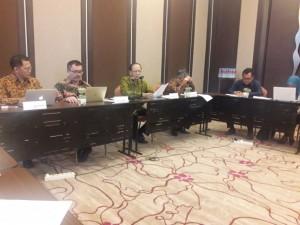 Suasana diskusi UKP PBM RI-Malaysia di Hotel Crown Plaza, Bandung, Jawa Barat, Sabtu (19/5).