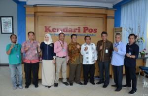 Humas Setkab bersama Diskominfo Sultra saat kunjungan media (media visit) ke Kendari, Provinsi Sulawesi Tenggara, Kamis (3/5). (Foto: Humas/Jay)
