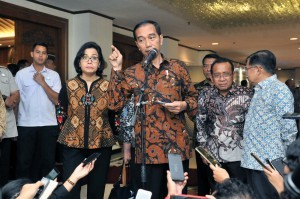 Photo caption: President Jokowi answer questions after the opening of 2018 National Development Planning Conference (Musrenbangnas) at Puri Agung Ballroom Hotel Grand Sahid Jaya, Jakarta, Monday (30/4). (Photo: PR/Jay).
