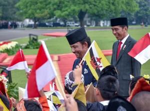 Presiden Jokowi dalam Pertemuan Bilateral dengan Sultan Hassanal Bolkiah dari Brunei Darussalam di Istana Kepresidenan Bogor, Jawa Barat, Kamis (3/5). (Foto: Humas/Agung).