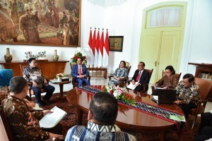 Speakers of the Regional Representatives Council (DPD) meet with President Jokowi at Bogor Presidential Palace, West Java, Monday (7/5). (Photo: PR/Oji).