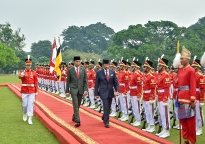 President Jokowi welcomes Sultan of Brunei at Bogor Palace, West Java, Thursday (3/5). (Photo: PR/Agung).