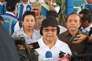 Menteri LHK usai meninjau kebersihan rest area, Rabu (13/6). (Foto: Kementerian LHK)
