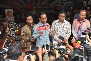 President Jokowi attends Indonesia International Motor Show 2018. (Photo by: Cabinet Secretariat documentation).