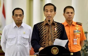 President Jokowi holds press conference regarding KM Sinar Bangun accident at Bogor Presidential Palace, Wednesday (20/6). (Photo by: Bureau of Press, Media and Information of the Presidential Secretariat/Rusman).