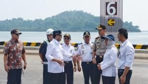Menhub meninjau Pelabuhan Penyeberangan Bakauheni (Foto: Kemenhub).