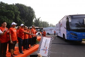 Minister of Tourism Arief Yahya launches Wonderful Indonesia and the 2018 Asian Games buses, at the National Monument Compex, Jakarta, on Thursday (26/7) (Photo: Tourism Ministry PR)